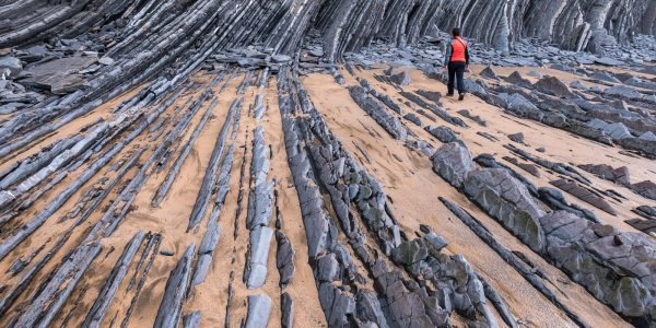basque-tour-visit-Flysch-of-zumaia-1600x1070